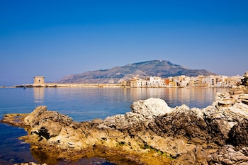 Picture of Marina Bay in Trapani