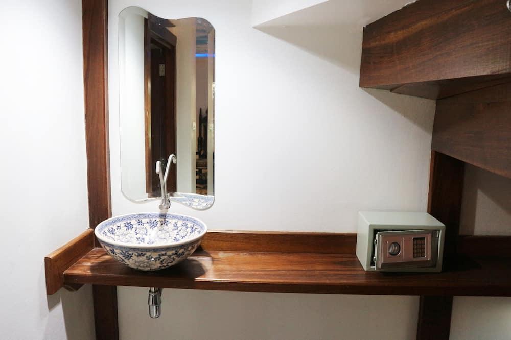 2 Bedroom Villa  - Vonios kambarys