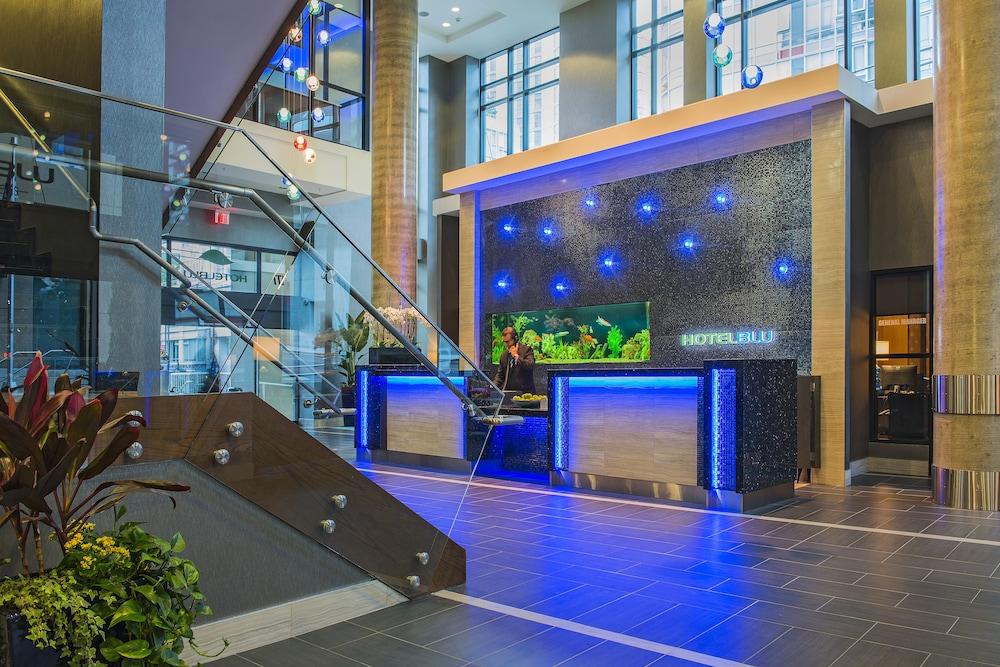 Hotel Blu Vancouver Reception