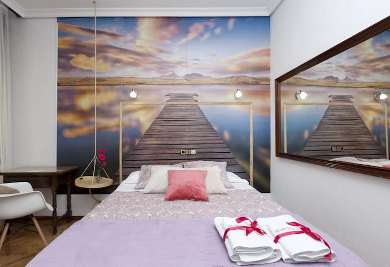 Hostal Hispano Gran Vía, Madrid, Double Room, 1 Double or 2 Twin Beds, Guest Room