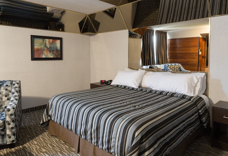 Deluxe Inn, Toronto, Suite (Non-wheelchair Accessible), Guest Room