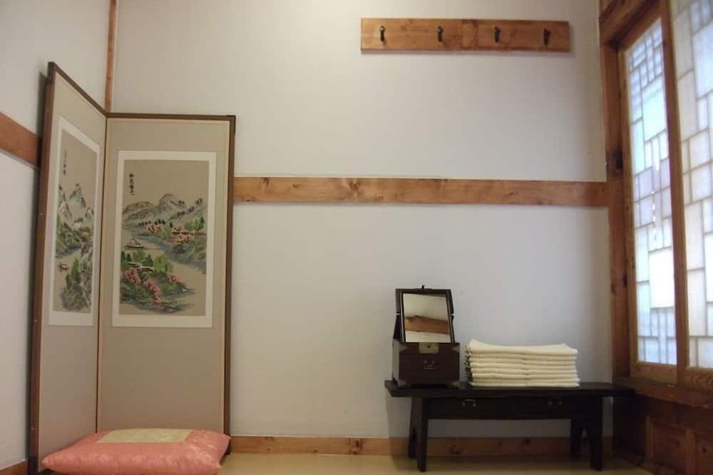 Jednolôžková izba (Ondol) - Obývacie priestory