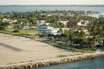 Picture of Beachfront Inn in Fort Pierce