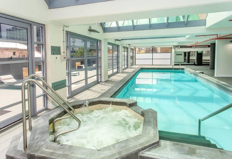 The Paramount Serviced Apartments Melbourne, Melbourne, Pool