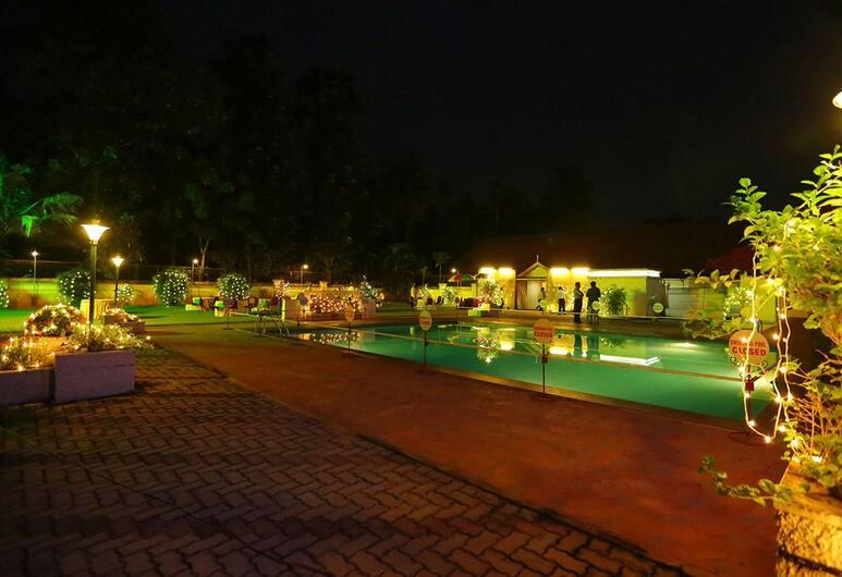 Quality Airport Hotel, Alwaye, Lauko baseinas