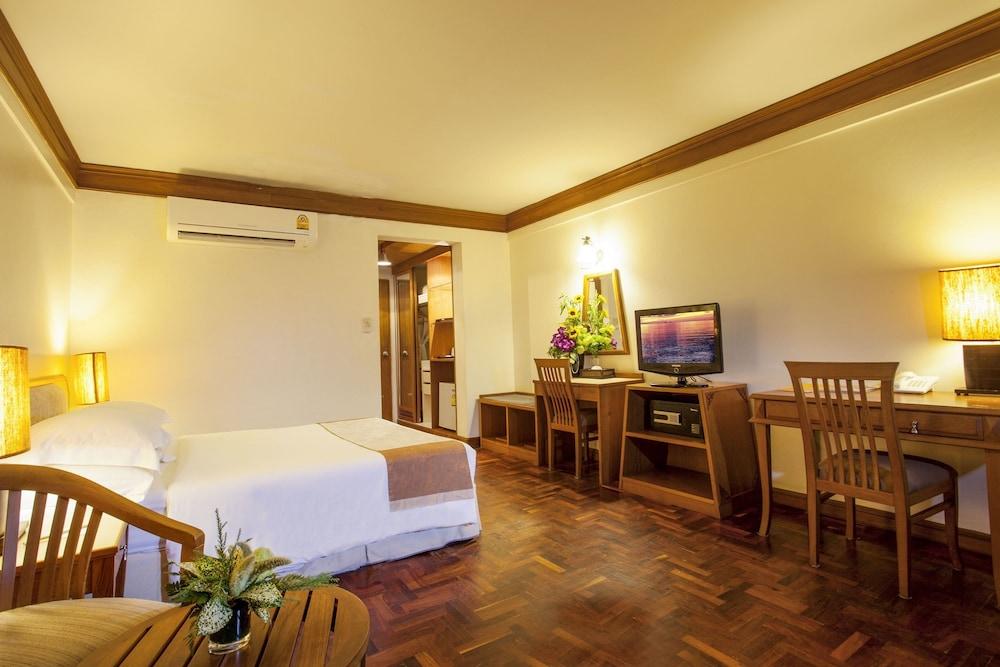 Safari Beach Hotel, Patong