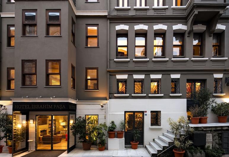 Hotel Ibrahim Pasha, Istanbul, Pohľad na hotel – večer/v noci
