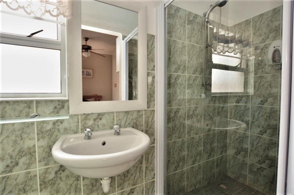 Single en suite Bedroom - Badezimmer
