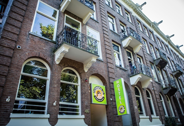 The Flying Pig Uptown Hostel, Amsterdam, Hotel Front