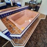 Luxury Σουίτα, 1 Υπνοδωμάτιο, Μπανιέρα με Υδρομασάζ - Ιδιωτική μπανιέρα υδρομασάζ