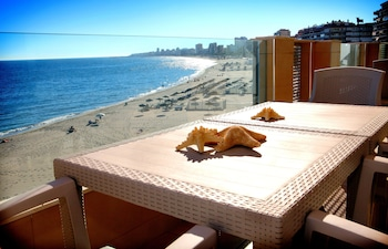 Picture of Apartamentos Vega Sol Playa in Fuengirola