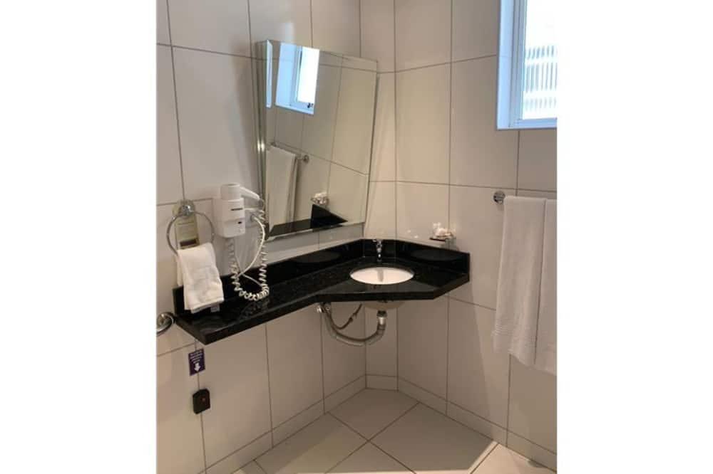 Kahden hengen huone, Esteetön - Kylpyhuone