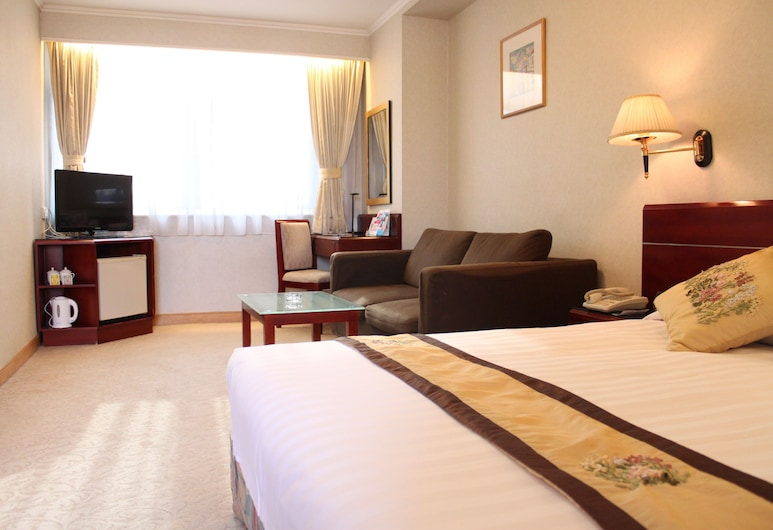 West Hotel, Kowloon, Deluxe Suite, Guest Room