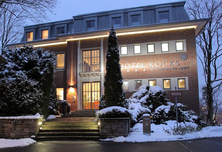 Ringhotel Kocks am muehlenberg, Muelheim an der Ruhr, Hotel Front – Evening/Night