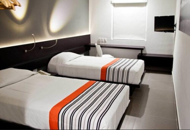 City Express Junior Ciudad del Carmen Aeropuerto, Ciudad del Carmen, Standard Room, 2 Twin Beds, Guest Room