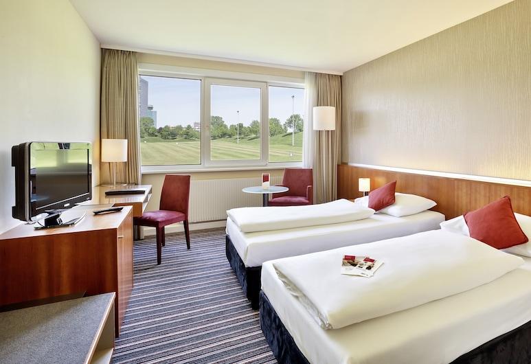 Austria Trend Hotel Bosei, Wien, Classic - kahden hengen huone, Kylpyamme, Vierashuone