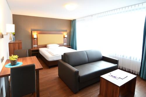 新海德堡酒店式公寓酒店/