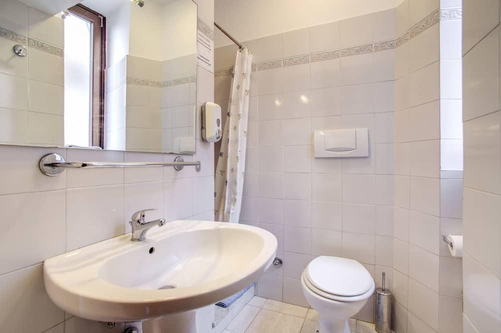 Dört Kişilik Oda, Özel Banyo - Banyo