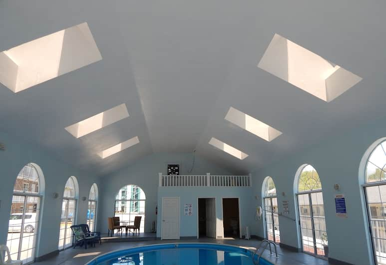Carriage House Inn, Branson, Indoor Pool