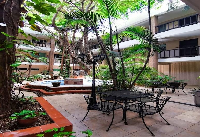 Hotel Colonial Cancun, Cancun, Gårdsplass