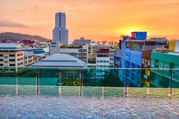 Choose This Mid-Range Hotel in Phuket