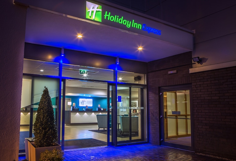 Holiday Inn Express Manchester Airport, Manchester