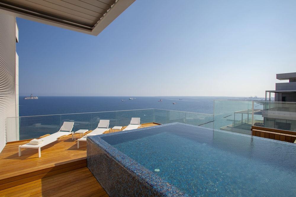 Luxusný ateliérový apartmán, 4 spálne, súkromný bazén, výhľad na more - Luxusný bazén