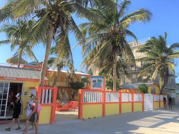 Picture of La Isla Resort in Caye Caulker