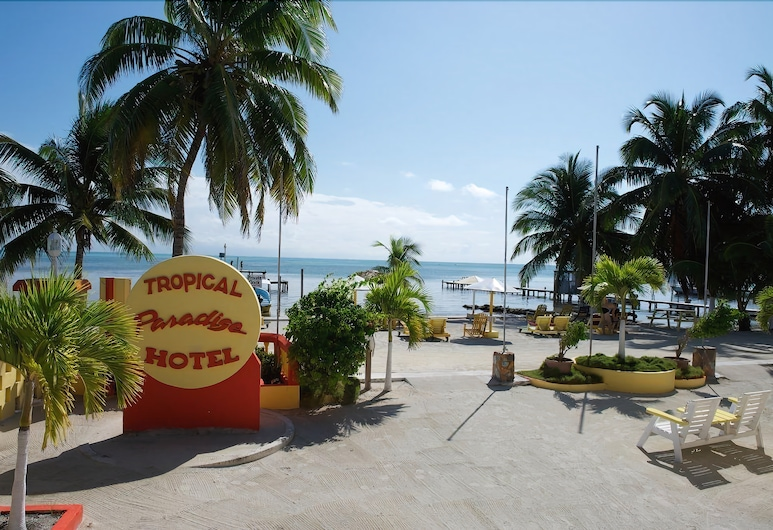 Tropical Paradise Hotel, Caye Caulker, Traditional Room, 2 Double Beds, Partial Sea View, Beach/Ocean View