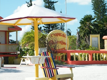 Picture of Tropical Paradise Hotel in Caye Caulker