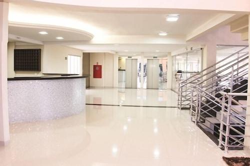 拉維特雷旅館/