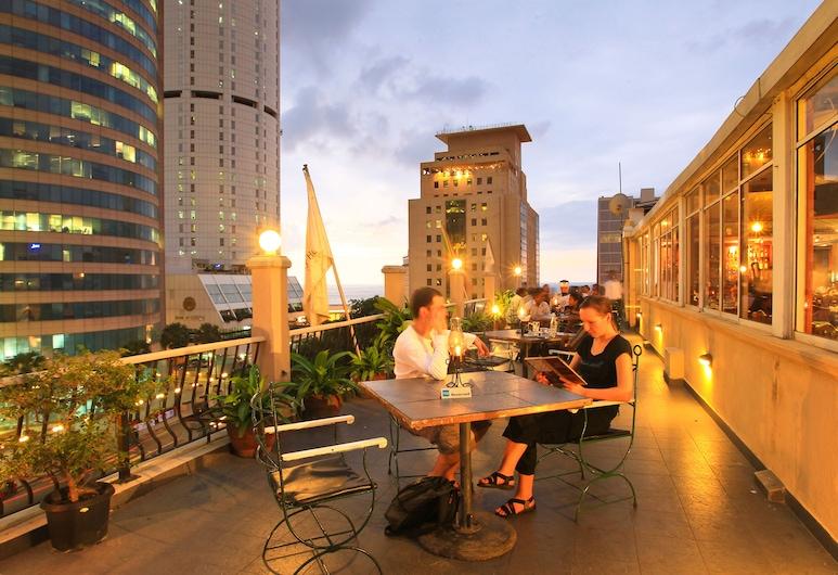 Colombo City Hotel, Colombo, Obiekty restauracyjne na zewnątrz