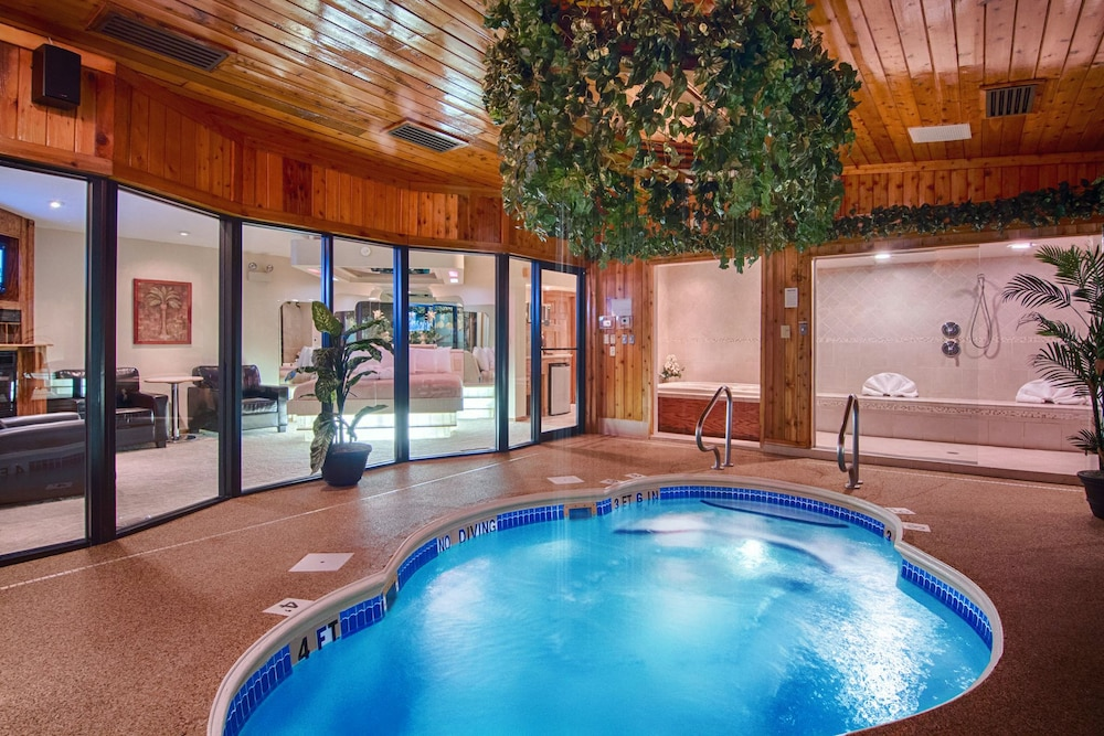 Book Sybaris Pool Suites Indianapolis In Indianapolis