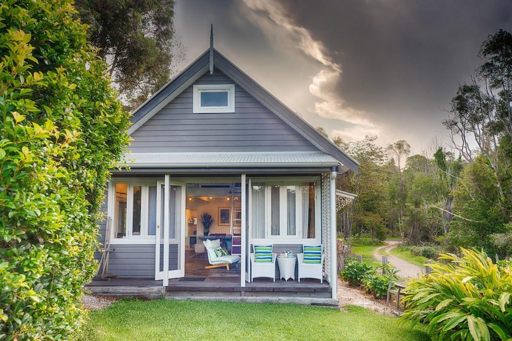 Romantic Cottage - Guest Room