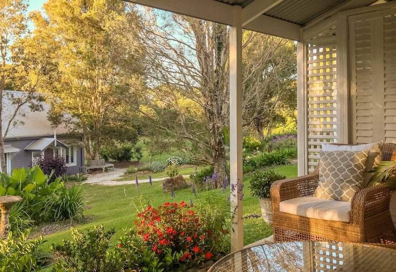 Abelia House, Byron Bay, Romantic Double Room, Garden View, Terrace/Patio