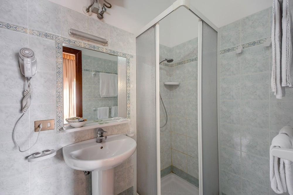 ห้องแฟมิลี่, ระเบียง - ห้องน้ำ
