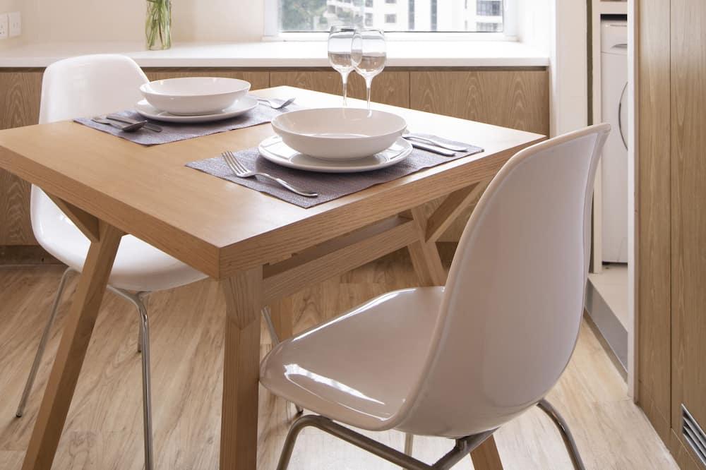 Designer Room - In-Room Dining