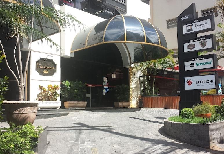 The Landmark Residence, Sao Paulo, Property entrance