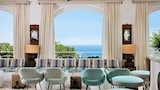 Book this Free Breakfast Hotel in Capri