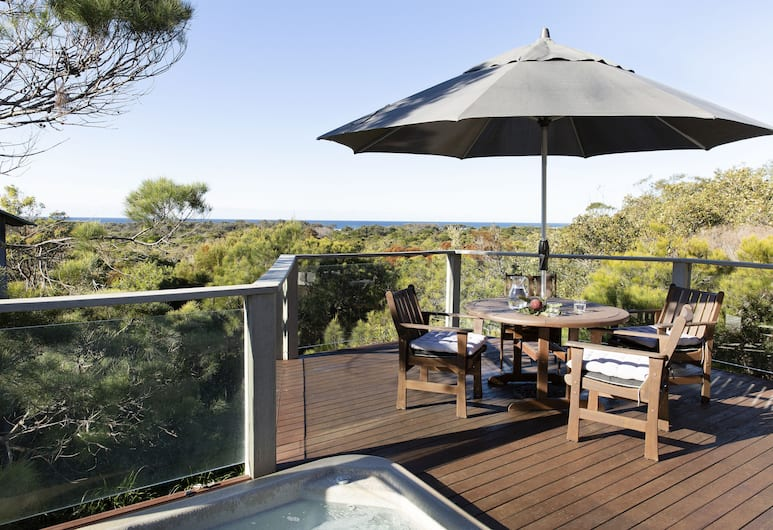 The Oasis Apartments and Treetop Houses, Byron Bay
