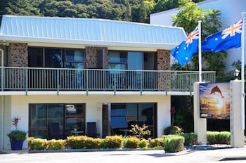 Picture of Bay Sands Seafront Studios in Paihia