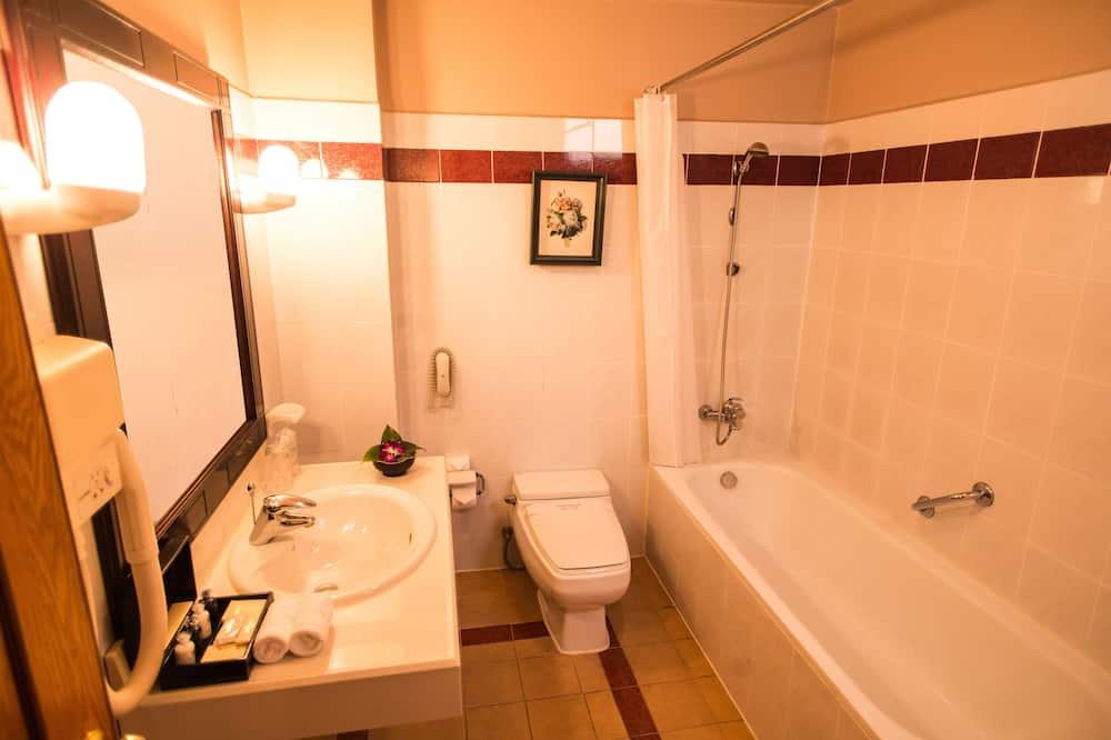 Standard Double or Twin Room, 1 Queen Bed - Bathroom