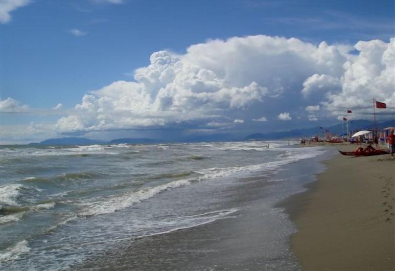 Hotel Lukas, Viareggio, Beach