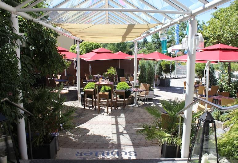 Hotel Schiller, Olching, Speisen im Freien