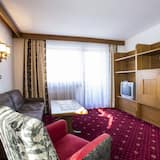 Apartment, 2 Bedrooms, Balcony, Mountain View (exclusive EUR 60 cleaning fee) - Living Room