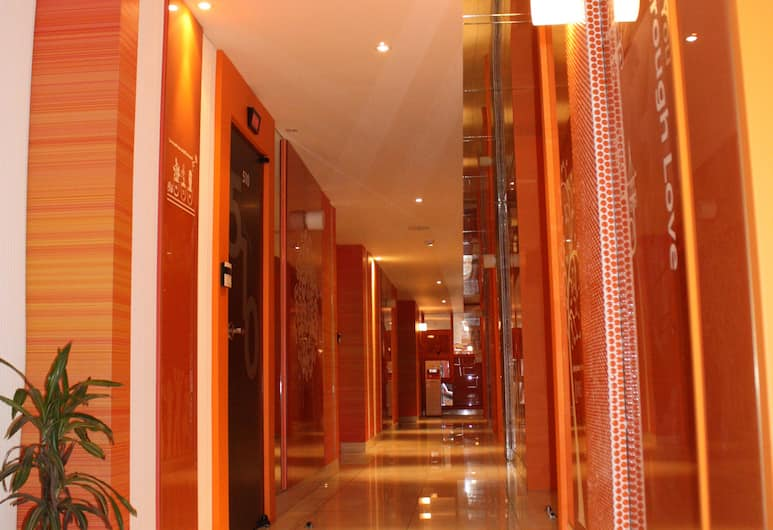 W Motel, Busan, Hallway