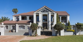 Picture of Villa Tuscana By Mantis in Port Elizabeth