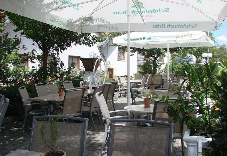 Hotel Restaurant Zum Reussenstein, Böblingen, Udendørs spisning