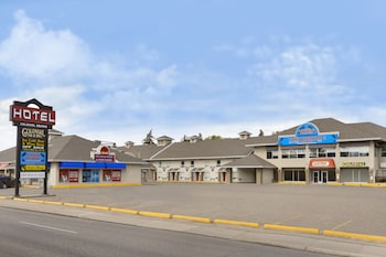 Picture of Colonial Square Inn & Suites in Saskatoon