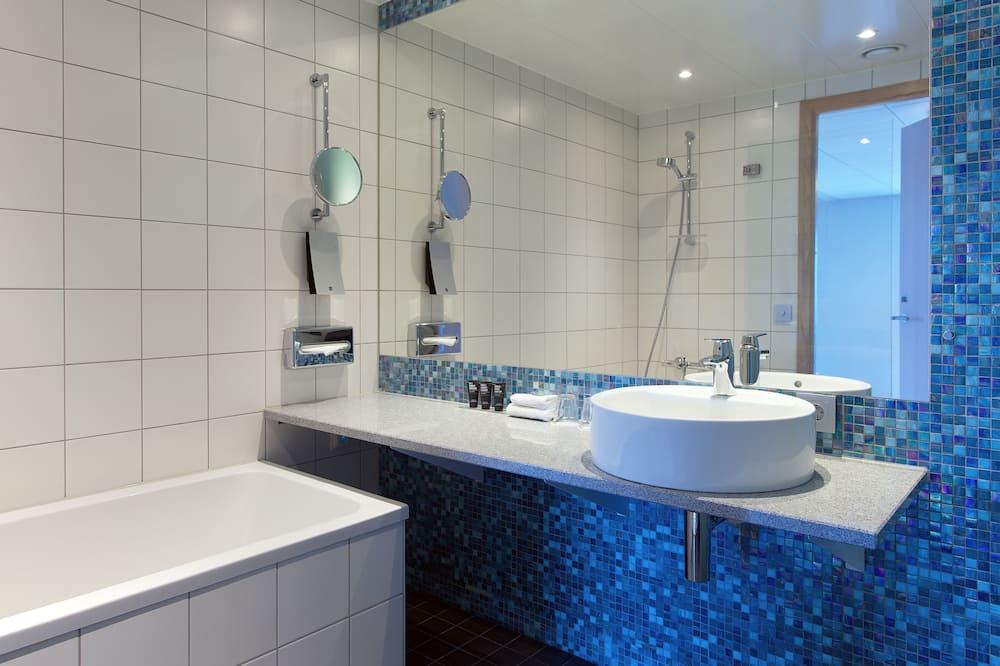 Habitación superior, 2 camas individuales - Baño
